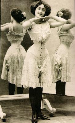 4+Victorian+corset