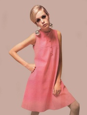 Twiggy-the-model-the-60s-7053212-381-500